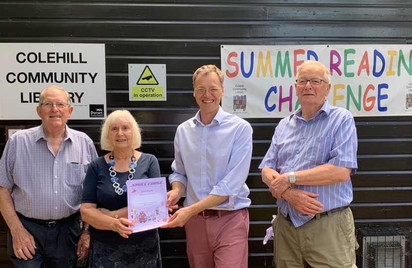Michael Tomlinson MP visits Colehill Community Library